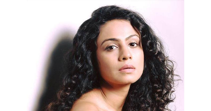 manasi parekh gohil turns producer dons a dual role of actor and producer for do not disturb