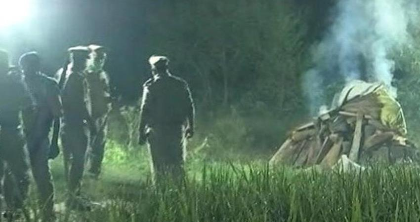 allegations of relatives of hathras rape victim police forcibly cremated rkdsnt