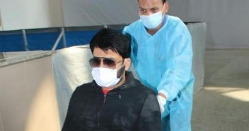 comedian-kapil-sharma-seen-on-wheelchair-at-mumbai-airport-raises-questions-rkdsnt