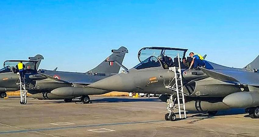 Three more Rafale planes flew to India from France rkdsnt