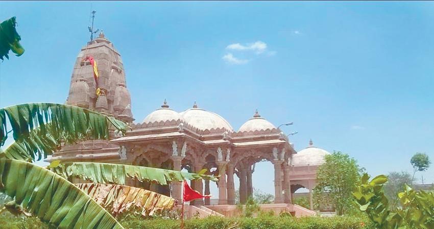 shri krishna janmashtami special feeling supernatural being govardhan shripeetham rkdsnt