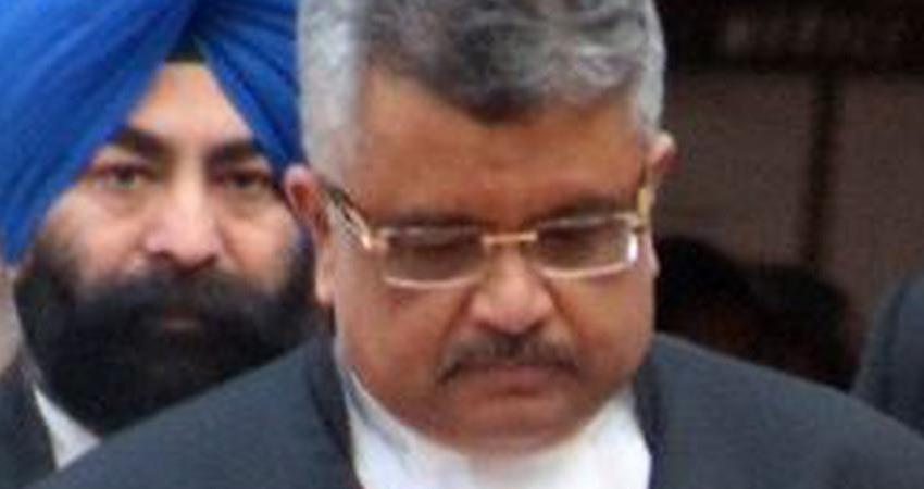 delhi crime wife of solicitor general tushar mehta succumbed by mobile snatchers