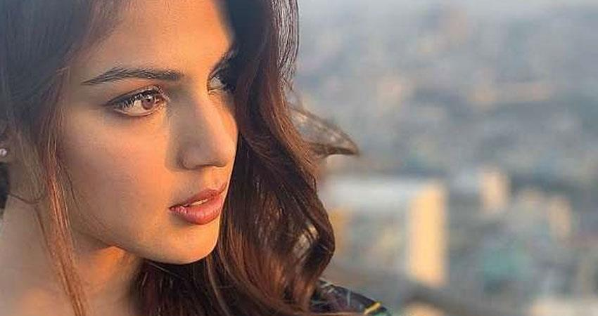 rhea chakraborty lawyer satish claimed actress never used drugs rkdsnt