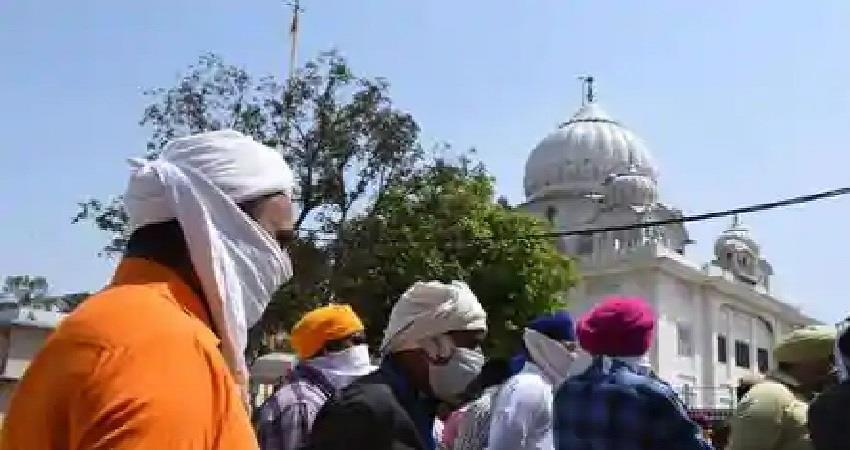 aap and akali dal clash with each other over gurdwara dispute in delhi albsnt