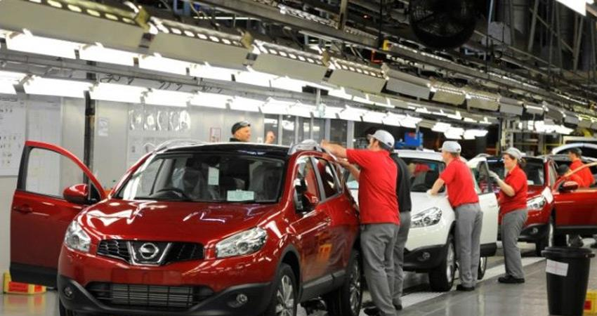 auto industry under pressure vehicle sales record decline one million jobs in danger