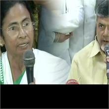 ममता, चंद्रबाबू, कुमारस्वामी ने केजरीवाल का दिया साथ, PM मोदी बने निशाना