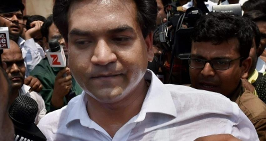 aap rebel kapil mishra attack aam aadmi party arvind kejriwal and assembly speaker