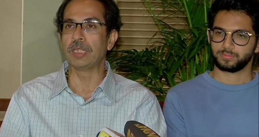 uddhav thackeray opened shiv sena cards after meeting mlas on maharashtra govt attacks bjp
