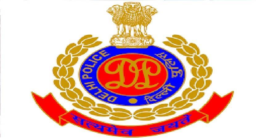 delhi police in action on breaking rules in lockdown