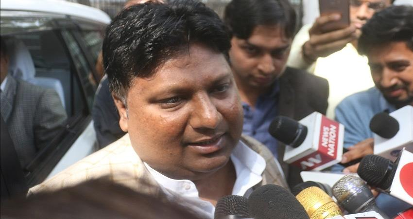 #ChandniChowk AAP MLA Imran Hussain says he tried to calm people on police request