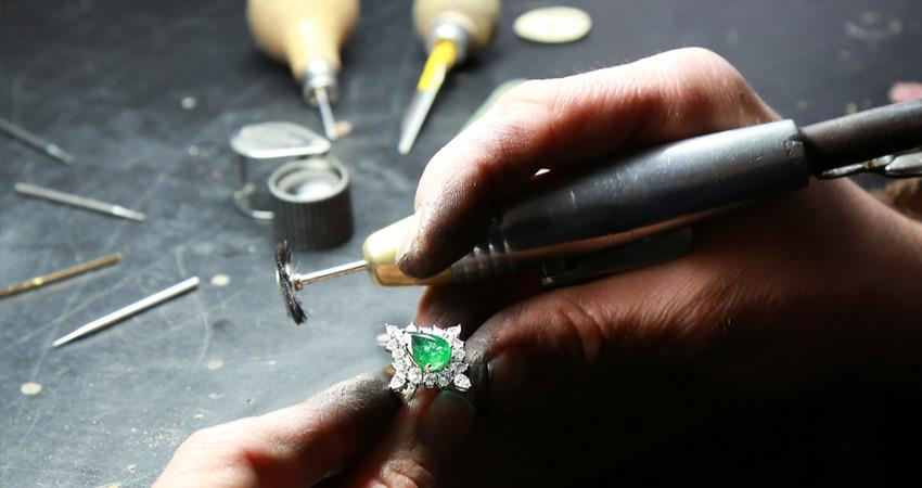 jewelry industry in recession after automobile sector skilled artisans employment crisis