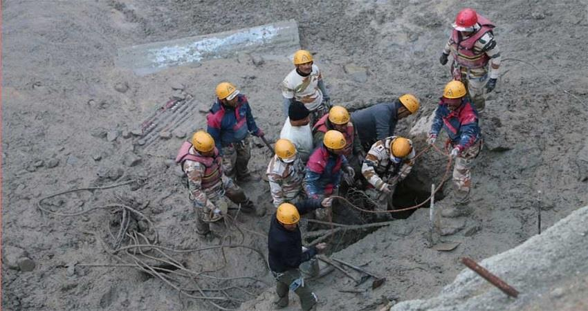 uttarakhand disaster temporary obstacle rescue work increasing water in dhauliganga rkdsnt