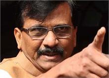 मुख्यमंत्री ठाकरे के खिलाफ टिप्पणी पर संजय राउत ने फडणवीस पर किया पलटवार
