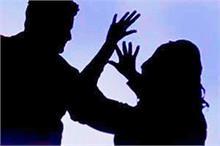 महिलाओं को बनाता था अपना निशाना, स्नैचर रिसीवर के साथ गिरफ्तार
